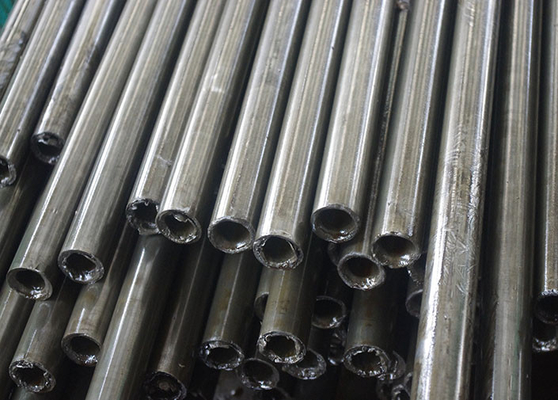 DIN 17175 Alloy Seamless Carbon Steel Pipe , Thick Wall Tubing OD 20-200mm